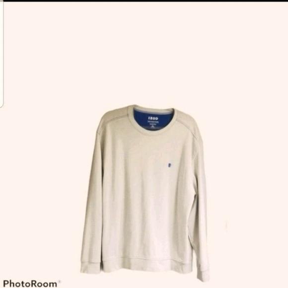 Men's IZOD sweatshirt